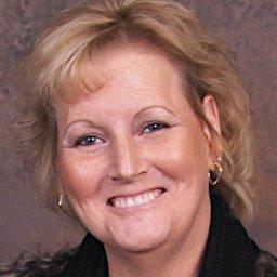 Karen Roberts : Payroll Manager