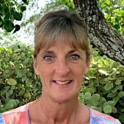 Debra Droesser : Payroll Associate
